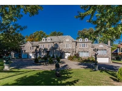 独户住宅 for sales at Ahuntsic-Cartierville (Montréal) 9277 Boul. Gouin O.   Montreal, 魁北克省 H4K1C3 加拿大
