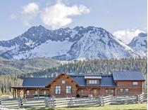 Casa para uma família for sales at Goat Creek Ranch 250 Goat Creek Way   Stanley, Idaho 83278 Estados Unidos