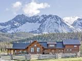 Maison unifamiliale for sales at Goat Creek Ranch 250 Goat Creek Way Stanley, Idaho 83278 États-Unis