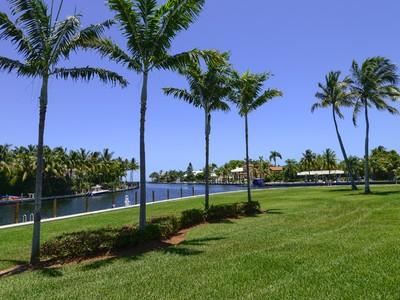 Condominio for sales at Waterfront Condominium Living at Ocean Reef 34 Ocean Reef Drive Cay Harbor C2 Key Largo, Florida 33037 Estados Unidos