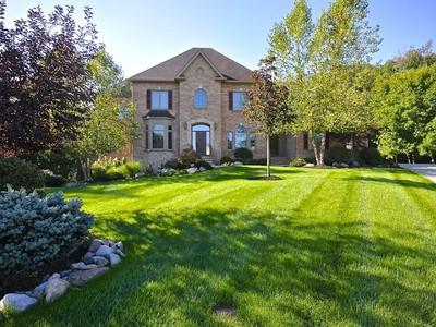 一戸建て for sales at Custom Home on Private Wooded Lot 4079 Black Willow Ct  Zionsville, インディアナ 46077 アメリカ合衆国