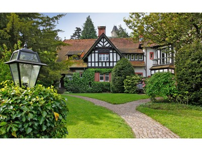 Outros residenciais for sales at Very special Family Estate   Kronberg, Hessen 61476 Alemanha