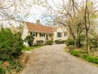 Single Family Home for  sales at Lovely Split Level 274 Mamaroneck Rd   Scarsdale, New York 10583 United States