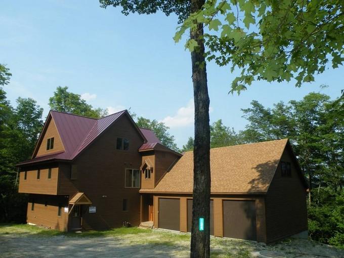 Maison unifamiliale for sales at Okemo Mountain - Walk to Slope 134 North Village Ludlow, Vermont 05149 États-Unis