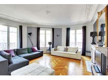 Appartement for sales at Appartement - Kleber    Paris, Paris 75116 France