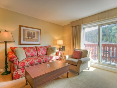 Condominio for sales at The Residences at Sun Peaks Grand 1403 D 3250 Village Way Sun Peaks, British Columbia V0E5N0 Canadá