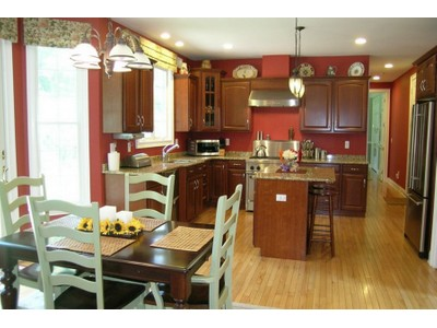Maison unifamiliale for sales at Middletown 189 Monmouth Middletown, New Jersey 07748 États-Unis
