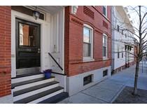 Appartement en copropriété for sales at 110-112 N Street   South Boston, Boston, Massachusetts 02127 États-Unis