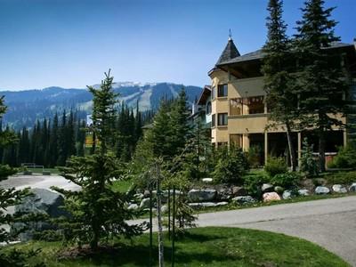 Eigentumswohnung for sales at Snow Creek Village 8 - 3320 Village Place Sun Peaks, Britisch-Kolumbien V0E5N0 Kanada
