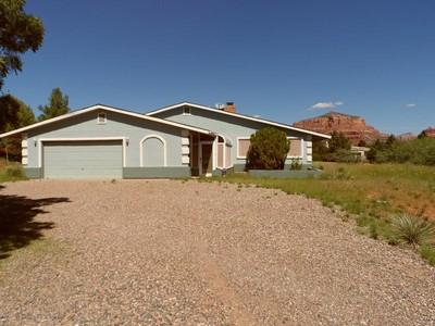 独户住宅 for sales at Beautiful Ranch Style Home with Red Rock Setting 190 Morgan Drive Sedona, 亚利桑那州 86351 美国