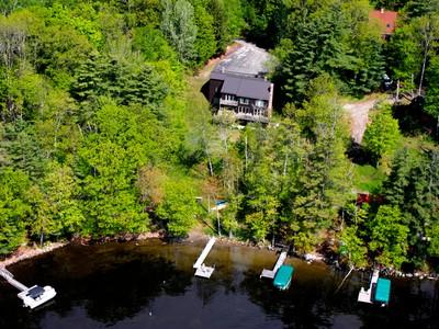 Villa for sales at 13 South Crane Lane   Rome, Maine 04963 Stati Uniti