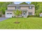 Maison unifamiliale for sales at Rumson Colonial 26 Lincoln Ave Rumson, New Jersey 07701 États-Unis