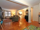 Eigentumswohnung for sales at Renovated 2 BR Prewar Condo 445 West 240 Street, 2D Riverdale, New York 10463 Vereinigte Staaten