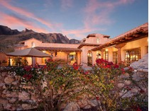 Einfamilienhaus for sales at Stunningly Original 'Hacienda Rosetta Marie' in Guard-Gated 'The Canyons' 7288 N Cloud Canyon Place   Tucson, Arizona 85718 Vereinigte Staaten