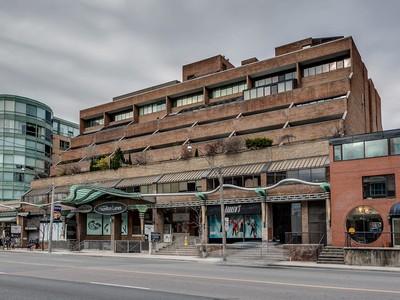콘도미니엄 for sales at Extraordinary Two-Storey Suite at  Hazelton Lanes 55A Avenue Road, Suite 603 Toronto, 온타리오주 M5R3L2 캐나다