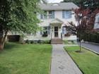 Casa Unifamiliar for sales at Crisp Colonial 32 Harvard Street Montclair, Nueva Jersey 07042 Estados Unidos