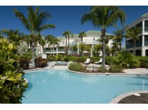 Eigentumswohnung for sales at The Sands Penthouse 3309/10 Beachfront Grace Bay, Providenciales TC Turks- Und Caicosinseln