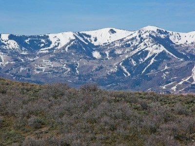 Land for sales at Deer Valley, Park City and Pete Dye Golf Course Views from this quiet cul-de-sac 8628 N Sunset Cir Lot 33 Park City, Utah 84098 United States