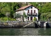 Villa for vendita at Villa d'epoca in posizione esclusiva sul Lago di Como  Laglio,  22010 Italia