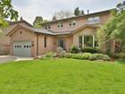 단독 가정 주택 for  sales at A Traditional Family Home 186 Digby Road Oakville, 온타리오주 L6J6C7 캐나다