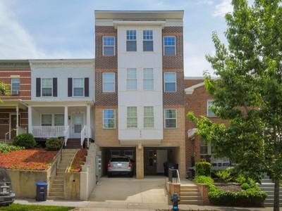 Condominio for sales at Capitol Hill 920 15th Street Se D Washington, Distretto Di Columbia 20003 Stati Uniti