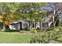 Casa para uma família for sales at 6619 Limerick Drive    Edina, Minnesota 55439 Estados Unidos