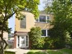 Apartamentos multi-familiares for sales at Great Two Unit Building with Spacious Units 1421 Dobson Street  Evanston, Illinois 60202 Estados Unidos