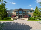 Casa para uma família for  sales at Resort Style Living at its finest. 5 Bel Air Court East Brunswick, Nova Jersey 08850 Estados Unidos