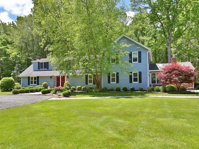 Частный односемейный дом for sales at Unique Rumson Property 52 Shrewsbury Dr  Rumson, Нью-Джерси 07760 Соединенные Штаты
