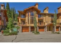 Residência urbana for sales at Trail's Edge 15 5000 Sun Peaks Rd   Sun Peaks, Columbia Britanica V0E Canadá