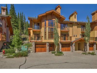 Casa Unifamiliar Adosada for sales at Trail's Edge 15 5000 Sun Peaks Rd Sun Peaks, British Columbia V0E Canadá