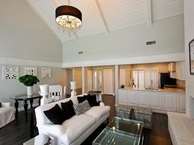 Townhouse for sales at 11798 Wimbledon 11798 Wimbledon Circle Wellington, Florida 33414 United States