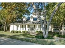 Moradia for sales at 3500 Hidden Pines Court    Arlington, Texas 76016 Estados Unidos