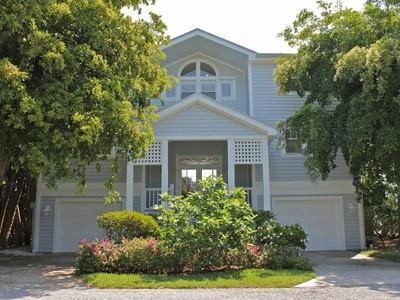 Maison unifamiliale for rentals at 553 Buttonwood Bay Drive  Boca Grande, Florida 33921 États-Unis