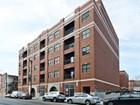 Condomínio for sales at Bright Corner Unit Condo 2740 W Armitage Avenue Unit 406S Chicago, Illinois 60647 Estados Unidos