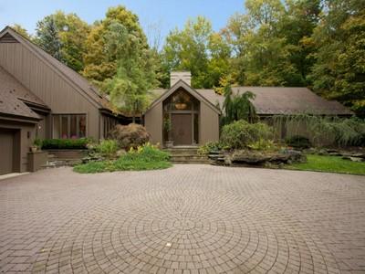 단독 가정 주택 for sales at Shangri-La  Saddle River, 뉴저지 07458 미국