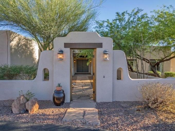 一戸建て for sales at Beautiful Courtyard Home with Southwestern Charm 1530 W Entrada Sexta Tucson, アリゾナ 85718 アメリカ合衆国