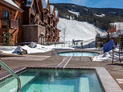 콘도미니엄 for sales at Perfect Ski Condo at the base of Big Sky Resort 40 Big Sky Resort Road Village Center 211 Big Sky, 몬타나 59716 미국