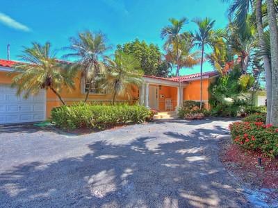 단독 가정 주택 for sales at 4901 Ronda Street  Coral Gables, 플로리다 33146 미국