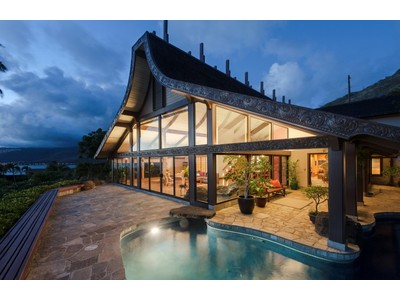 Casa Unifamiliar for sales at Award Winning Asian Pacific Custom Design 9 Lumahai Street   Honolulu, Hawaii 96825 Estados Unidos
