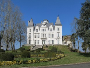 多戶家庭房屋 for sales at Beautiful castle, 50 min of Biarritz  Biarritz, 阿基坦 64120 法國