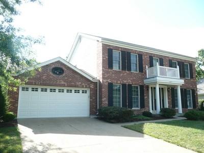 단독 가정 주택 for sales at Lovingly maintained two story home 1847 Sullivan Pointe Wildwood, 미주리 63011 미국