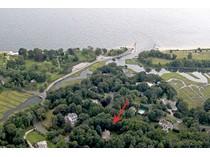 一戸建て for sales at Beautifully Renovated Home 2 Beachside Common   Westport, コネチカット 06880 アメリカ合衆国