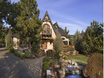 Moradia for sales at Awbrey Park Tudor 3493 NW Bryce Canyon Lane   Bend, Oregon 97701 Estados Unidos