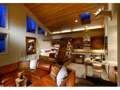獨棟家庭住宅 for sales at Freshly Remodeled Soft Contempoary 1084 Faraway  Snowmass Village, 科羅拉多州 81615 美國