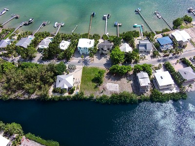 Terrain for sales at Buccaneer Point Estate Lot 30 North Bounty Lane Key Largo, Florida 33037 États-Unis