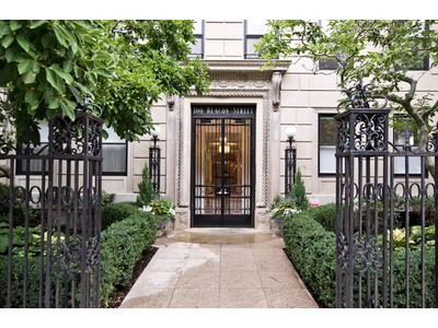 Condomínio for sales at Prestigious Historic Property 100 Beacon Street Unit 2B Boston, Massachusetts 02116 Estados Unidos
