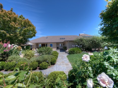 Single Family Home for  at Sunny, Gated, View Home 400 Upper Toyon Road Kentfield, California 94904 United States