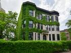 Appartement en copropriété for sales at Vintage Greystone 1402 W Belle Plaine Ave Unit 1W  Chicago, Illinois 60613 États-Unis