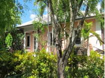 Maison unifamiliale for sales at Home in Islands of Old Fort Old Fort Bay, New Providence/Nassau Bahamas
